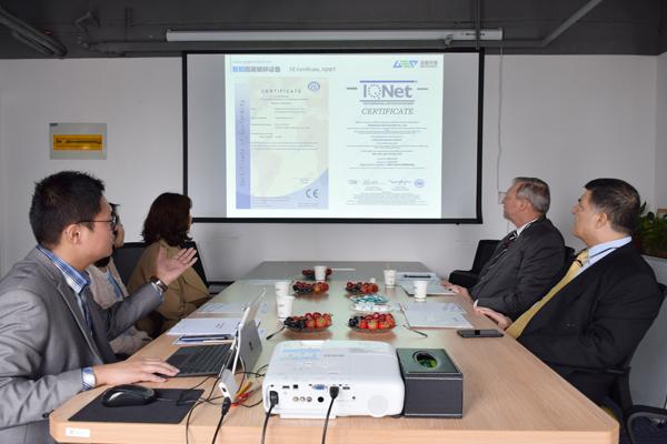 Récemment, les clients américains ont organisé un symposium avec GEP Intelligent Environmental Protection et ont signé un accord de coopération concernant le projet de destruction des pièces d'usure des chasseurs. Les responsables de projet des deux parties ont assisté à la cérémonie
